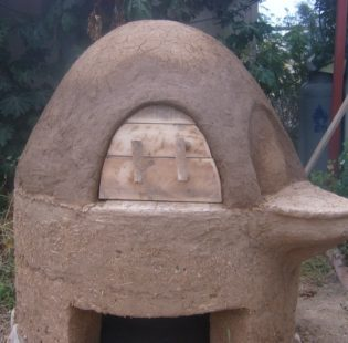 תנור אפייה מאדמה, תמונה מלפנים