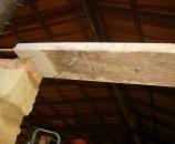 מתחת ללבנה ניתן לראות את לבנה שרופה שמחלקת את המשקל על פני כל לבנת האדובה