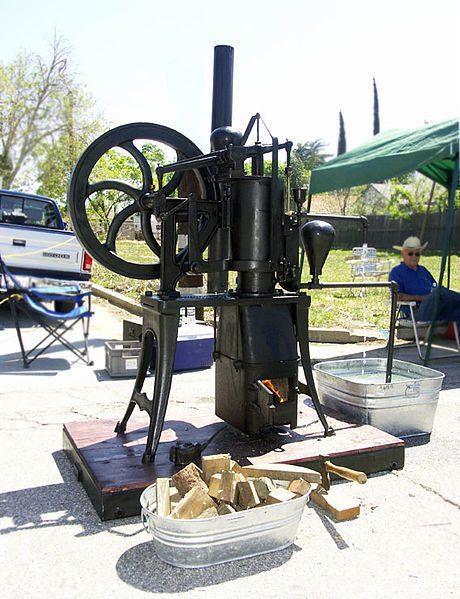 מנוע סטירלינג מהמאה ה-19 שמשמש לשאיבת ים