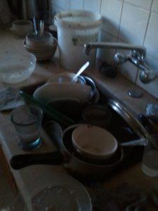 יומיים ללא כלים. בלאגן