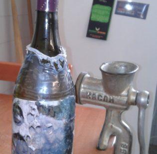 בקבוק יין בלתי שביר