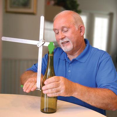 G2 Bottle Cutter, גם תראו אותו בפעולה כאן בהמשך.