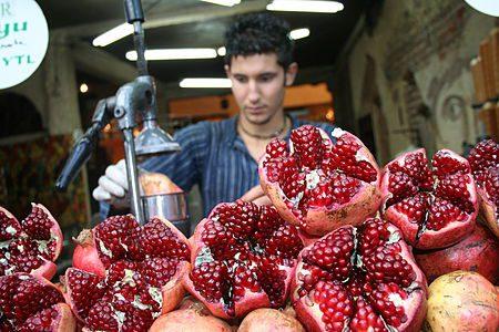 מיץ רימונים בבאסטה בטורקיה