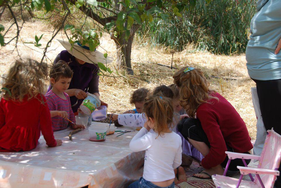 פעילות פיסול בבוץ לילדים