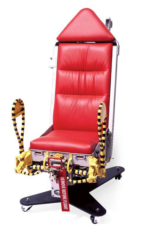 כיסא מפסולת צבאית