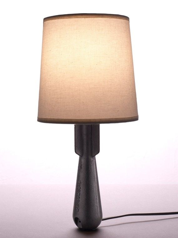 מנורה ממרגמה- דומה אך שונה