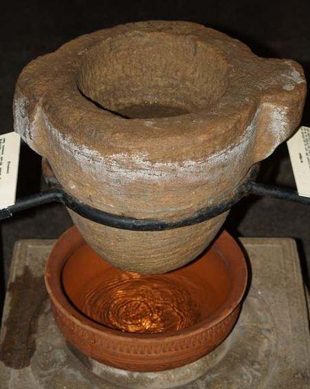 פילטר כד חימר חול עתיק מלפני 1200 שנה