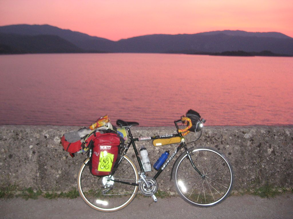 השניות שלי - אופני windsor tourist קלות מהירות ועמידות תוכננו במיוחד לטיולים