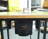 הראוטר ישר עם השולחן