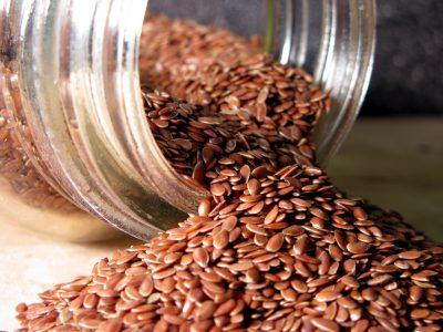 זרעי פשתן- אומגה 3, לא לשכוח לטחון לפני השימוש!