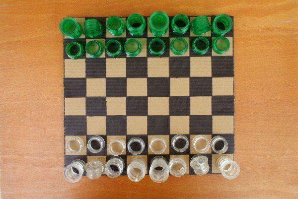 חיילי שחמט מבקבוקים