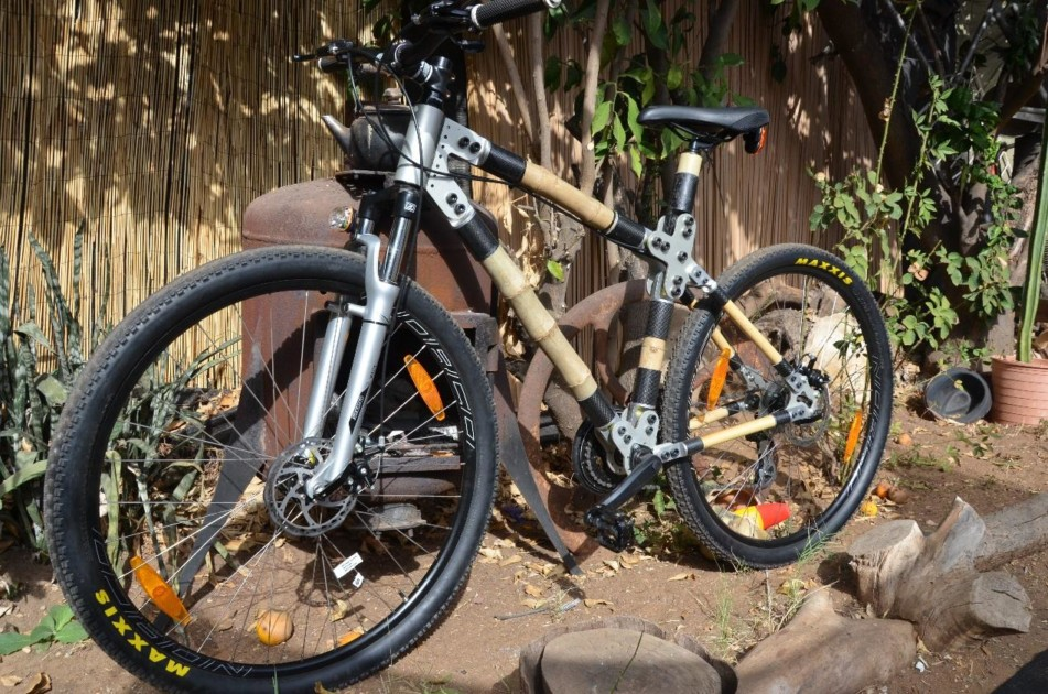 האופניים מוכנים, מראה מלפנים