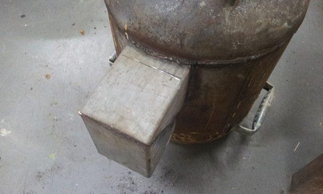 הפכתי את התנור כדי שאוכל לראות את תחתית צינור ההזנה