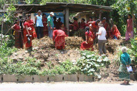 ארגון תבל בצדק: צעירים ישראלים עובדים עם מקומיים בנפאל