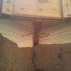 מסמרים ווברגים שעוזרים לאדמה להתפס לעץ