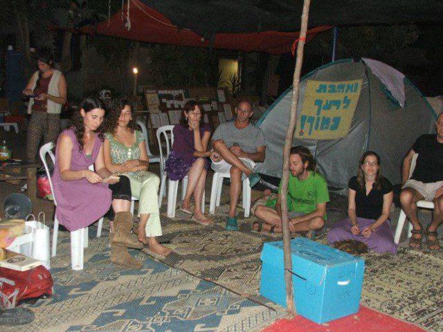 מעגל מתנות, פרדס חנה 2011. מקור: קבוצת מעגל מתנות בפייסבוק