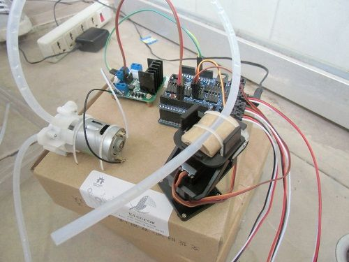 מחשב השקייה בעזרת רכיבי מכונת כביסה- בידיים