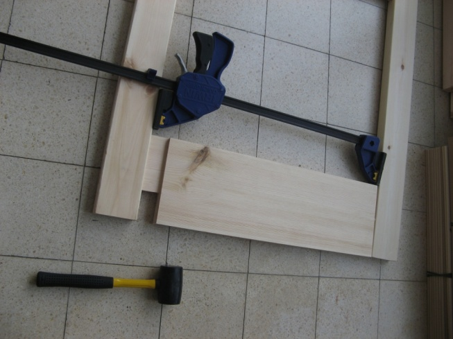 """בדרך פורקו המסגרות (בעזרת אותה כליבה שהורכבה הפוך, ובאופן נפלא מאפשרת לשחרר את המחברים מ""""מ אחרי מ""""מ)"""
