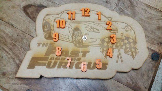השעון ההיברידי - הדפסה וחיתוך בלייזר: צד קדמי