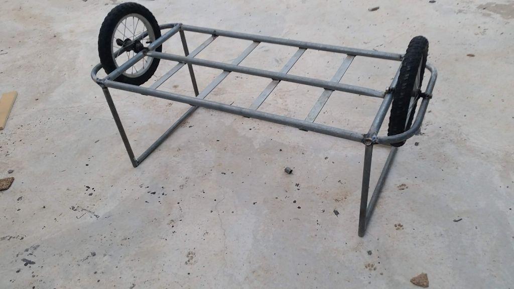שני הגלגלים במקומם - העגלה הפוכה