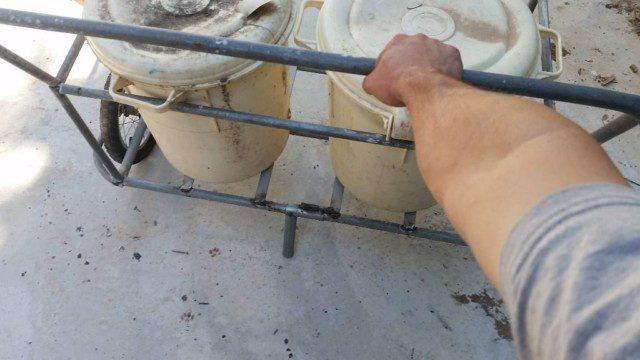 אני מדמן ידית אבל למטה רואים את הרגלית