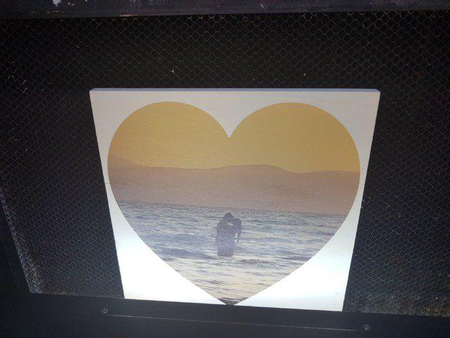 הדפס של לב על לוח מרובע - הפרויקט של י'