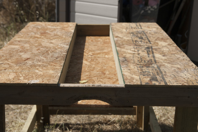 שולחן הנגרים מחובר