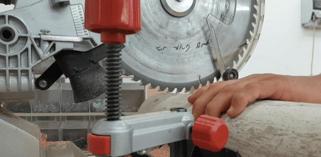 חיתוך העומק באמצעות מסור פנדל-גרונג