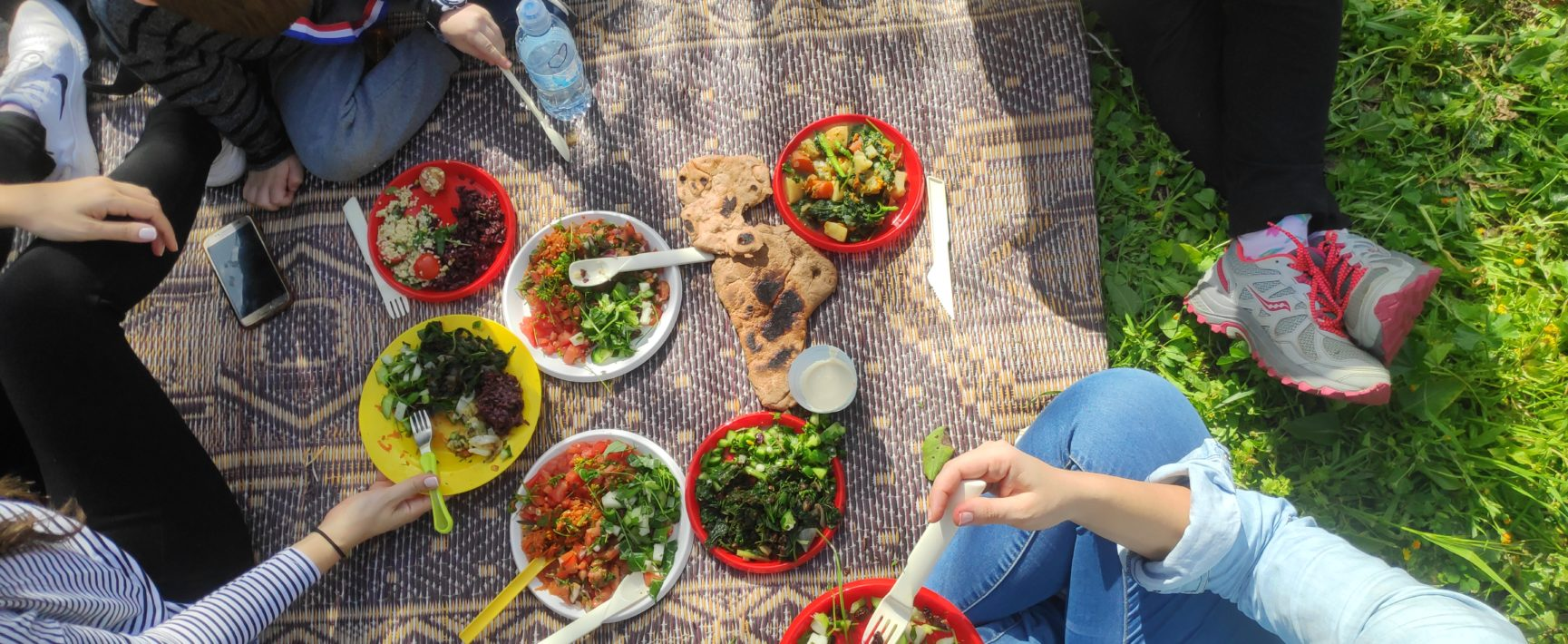 ארוחה במפגש ליקוט